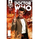 DOCTOR WHO. THE 11TH DOCTOR 11. PHOTO COVER. TITANS COMICS.